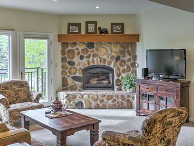 Open living area with gas fireplace, Flat screen HD cable & Blue Ray