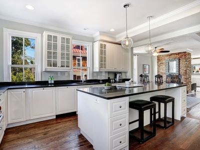 Photo for PICTURE PERFECT SIDE BY SIDE - Perfectly situated for Annapolis exploration!