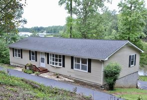 Photo for 3BR House Vacation Rental in Quinton, Virginia