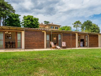 Photo for Blissful Farmhouse in Morrano with Swimming Pool
