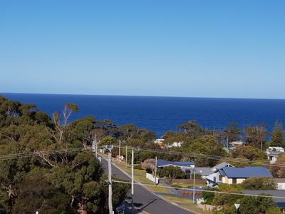 Photo for Bicheno Views self contained Townhouse close to IGA supermarket, cafes and pub.