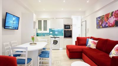 Photo for Vibrant & Cozy Apt in Athens