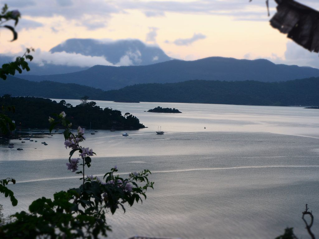 Nice House With Breathtaking Views To The Paraty Bay
