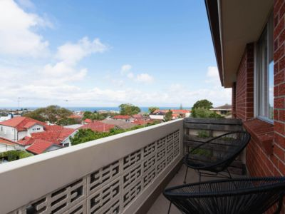 Photo for Sunny 2 bedroom with ocean views