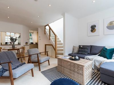 Photo for Beautiful 3 Bed Mews House 2 Mins From High St Ken