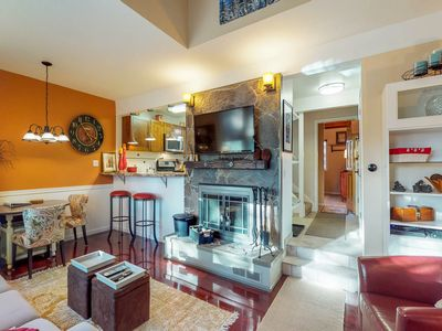 Photo for Dog-friendly condo w/ shared pool, spa, & sauna near biking & lake