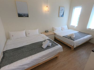 2 comfy queen size beds for your families and friends!