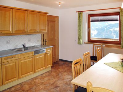 Photo for Beautiful apartment for 9 guests with WIFI, TV, balcony and pets allowed