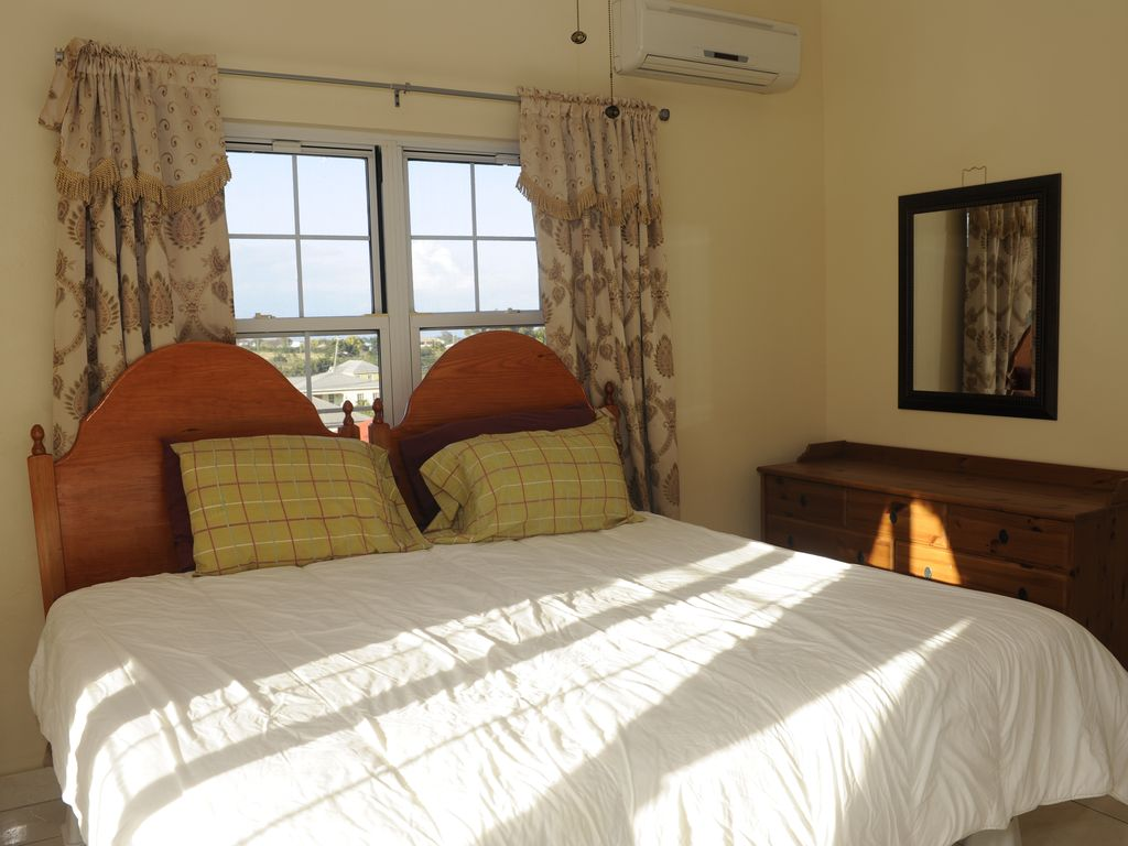 2 Spacious 1 Bedroom And 2 Spacious 2 Bedroom Apartments Osbourn