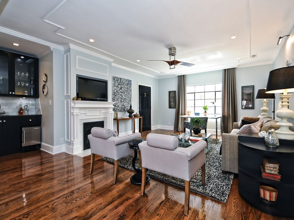 Executive corporate apartment in charlotte vrbo for The dog house charlotte nc