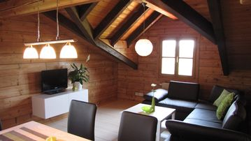 Block house with pool, few minutes from the lake, and beautiful nature - Seeblick 1