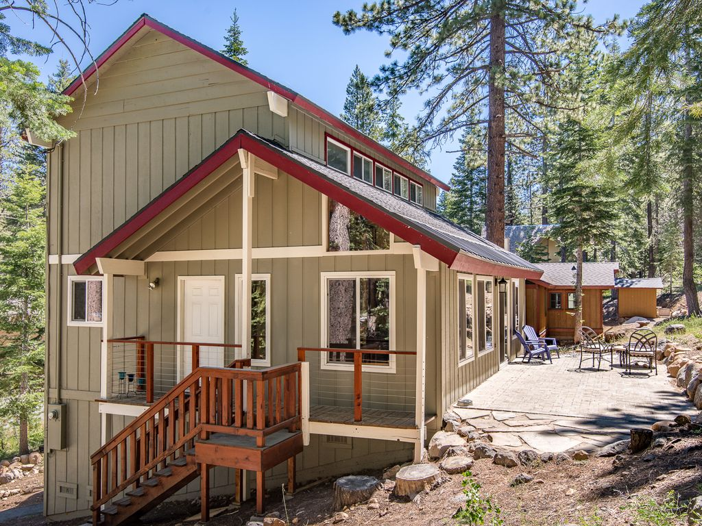 Tahoe donner cabin w resort amenities kid and dog for North lake tahoe cabins