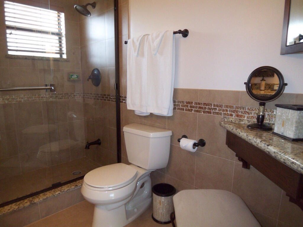 spectacular updated key largo townhome with water view 3br 3ba