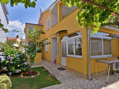 Photo for Holiday apartment Valbandon for 5 - 6 persons with 3 bedrooms - Holiday apartment