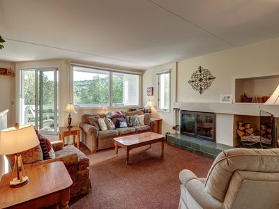 Photo for Bridges Resort condo w/ shared pools, hot tub, gym, tennis courts - near skiing