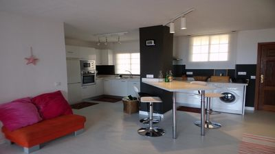Photo for Modern apartment with wifi and parking, sea view