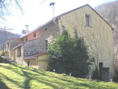 Photo for Amelie Les Bains: part of 19th century Catalan farm with 3 gites ref: 111780, 111913.