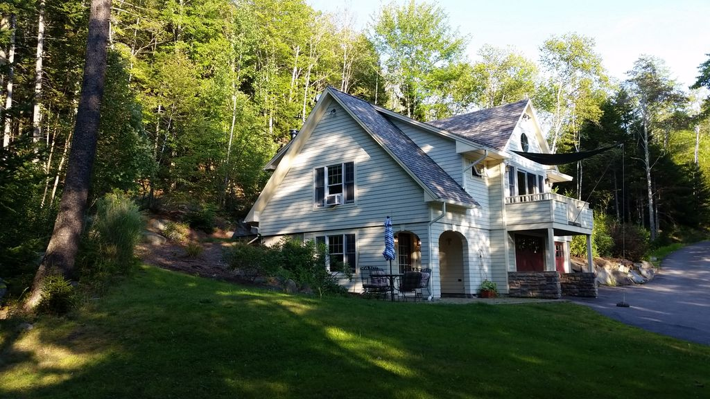 Exquisite Carriage House In Beautiful Coastal Maine