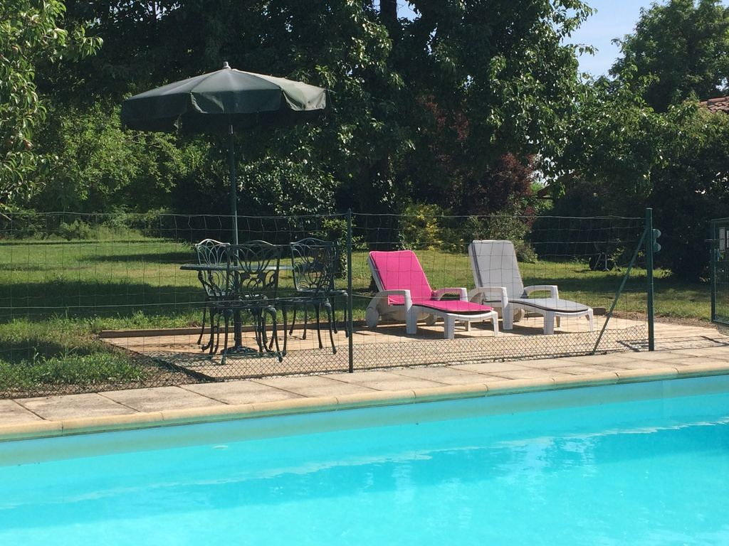 Charming detached farmhouse with private swimming pool for Private swimming pool
