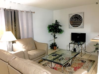 Photo for 2 bed/2 bath Condo w/kitchen & laundry near Palms, Shopping, Food, & City Bus