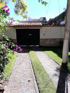 Photo for Pet-Friendly Single Family Home in Beautiful La Floresta