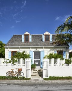 Jewelbox. A Beautifully Restored, Elegant, Family-friendly Town Rental.