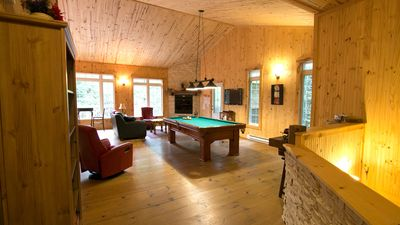 Photo for Waterfront chalet Near Tremblant 3 Bedroom 3 bthrm Jacuzzi and Pool table Milan