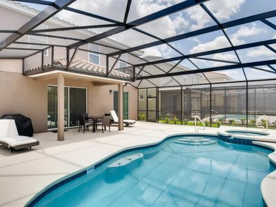 Photo for LUXE 6bed 15 min to Disney at Solterra Resort 5251