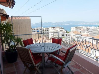 Photo for Apartment in le Suquet with sea views and terrace. Easy walk from the Croisette