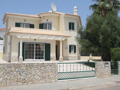 Photo for Modern Detached Villa With Private Pool And Air-Conditioning