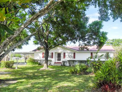 Photo for Frostproof Home with Pool in Sunny Central Florida!  Pet Friendly, 554 Lakes!