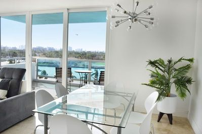 A small dining area; perfect for that family vacation