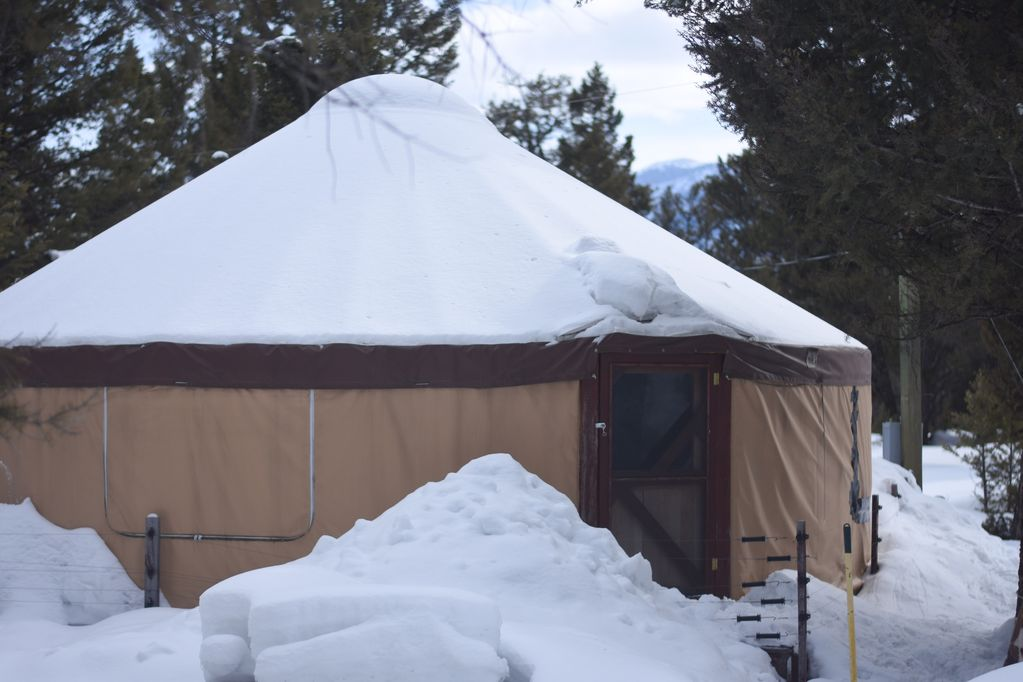 Yurt Next to Clarks Fork of the Yellowstone River, 30 Minutes from  Yellowstone - Cody