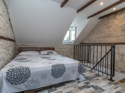 Photo for Apartment  Skuribanda - Charming  house in the Trogir oldtown