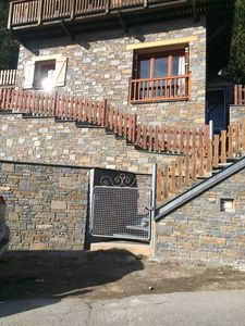 Photo for Apartment 50m2 in Chalet, 2 bedrooms for 5 pers. south expo, lake view, terrace.