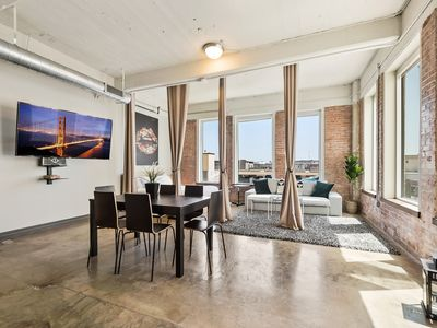 Photo for 3 Bedroom Unit in Downtown Dallas+Pool+Gym