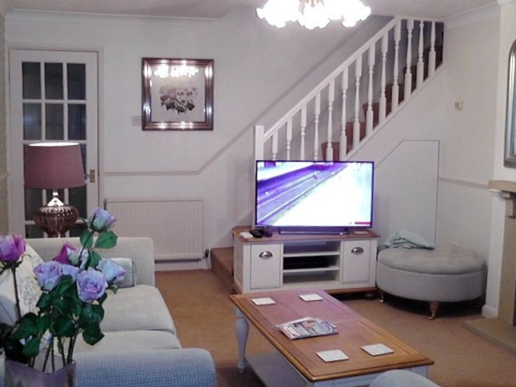 very pretty detached house cherrie trees close to harrogate town