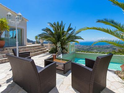 Photo for This 4-bedroom villa for up to 8 guests is located in Roses/Rosas and has a private swimming pool, a
