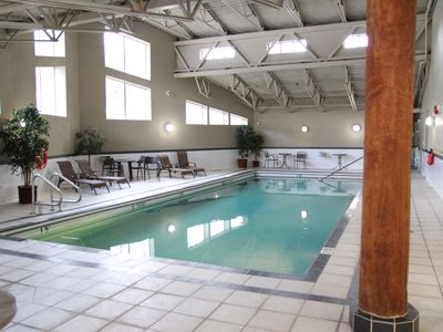 Photo for Luxury Condo, Top floor, Walk to Downtown, 5 Minute drive to ski resort