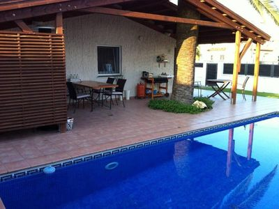 Photo for Empuriabrava: Comfortable villa with pool