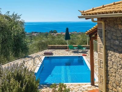 Photo for 2 bedroom Villa, sleeps 4 in Áno Rígklia with Pool, Air Con and WiFi