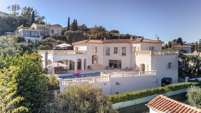 Photo for Luxury 6 bedroom villa, heated pool, in the heart of Antibes, amazing sea views!