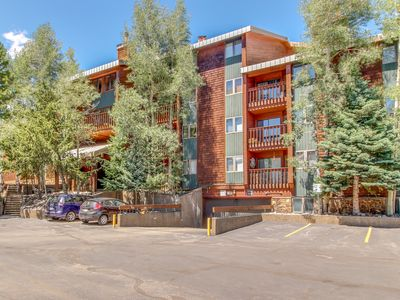 Photo for Ski condo w/ fireplace, balcony and shared pool, sauna & hot tubs - walk to lift