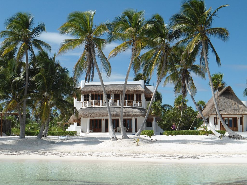 Excellent Secluded Luxury Villa With Wide Private Beachfront Bacalar Home Interior And Landscaping Transignezvosmurscom