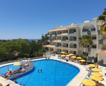 Photo for SWEET ALBUFEIRA apartment 4 people, pool, sea view