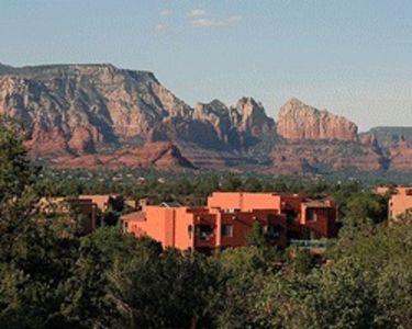 STUDIO~ SEDONA SUMMIT RESORT~ GREAT VIEWS~ HOT TUBS~ ZERO DEPTH POOL~ MUST SEE~