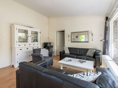 Photo for Bungalow, 6 persons, 3 bedrooms, very quiet location, near the Veerse Meer