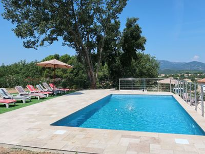 Photo for Beautiful apartment for 8 people with WIFI, private pool, TV, balcony and parking