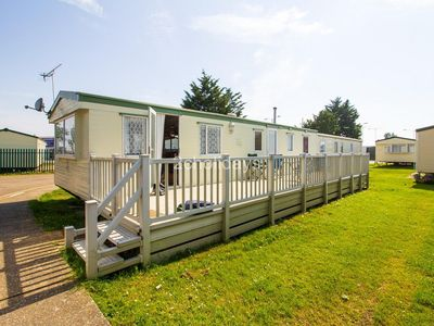 Photo for 8 berth caravan with decking for hire in Seawick holiday park in Essex ref 27040