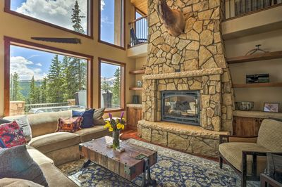 Immerse yourself in the mountain culture in this lavish 4-bed, 3.5-bath home.